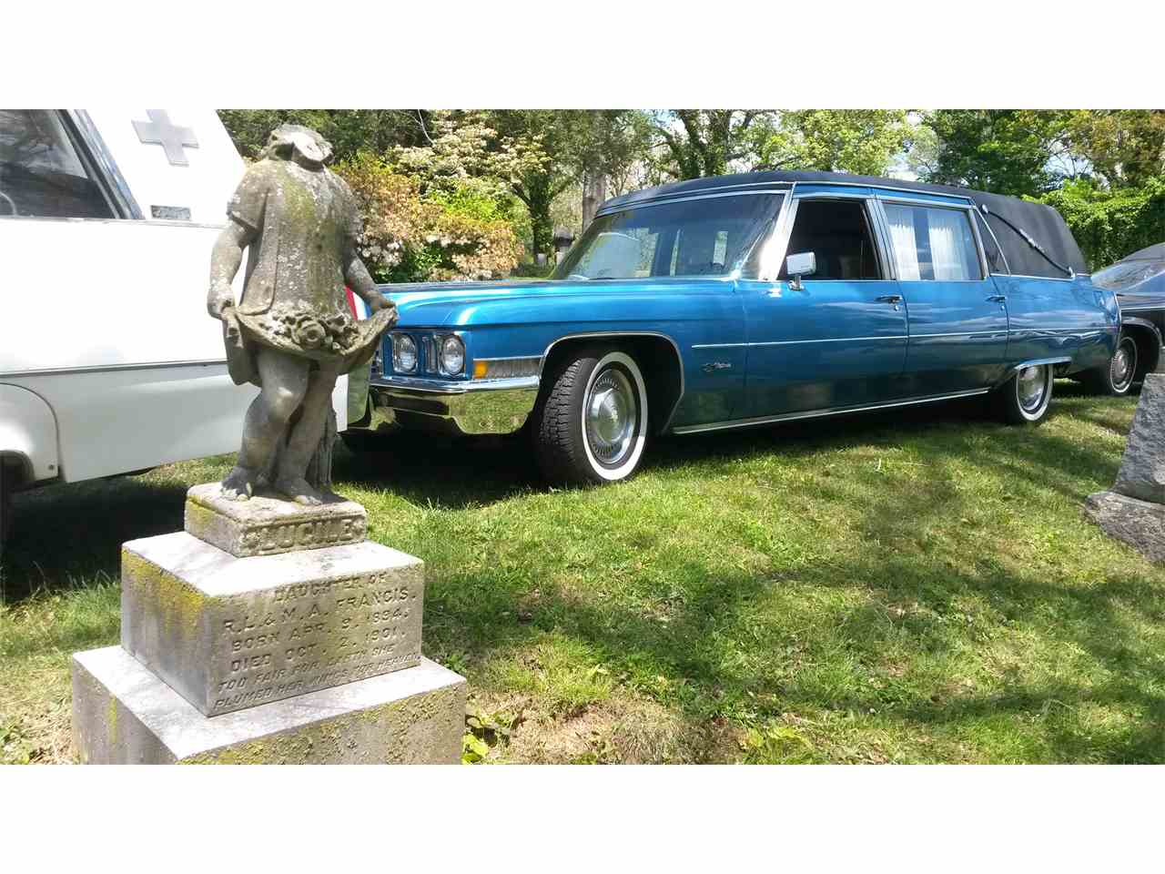 Large Picture of '72 Hearse - FJJH