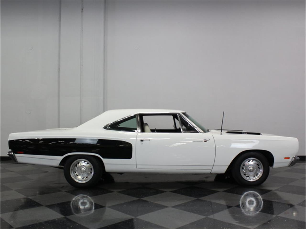 Large Picture of Classic 1969 Plymouth Road Runner located in Texas - FK5A