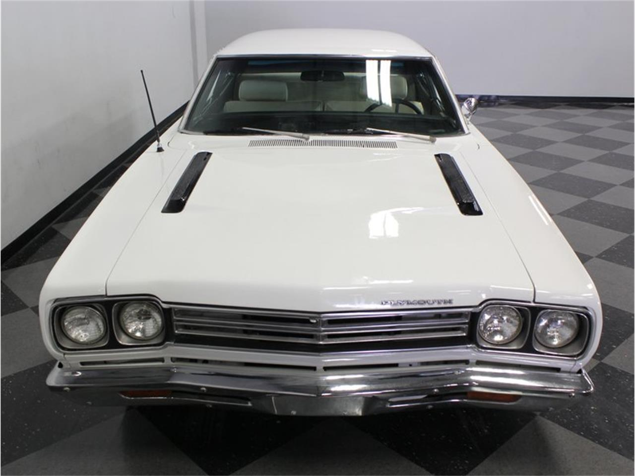 Large Picture of 1969 Road Runner - FK5A