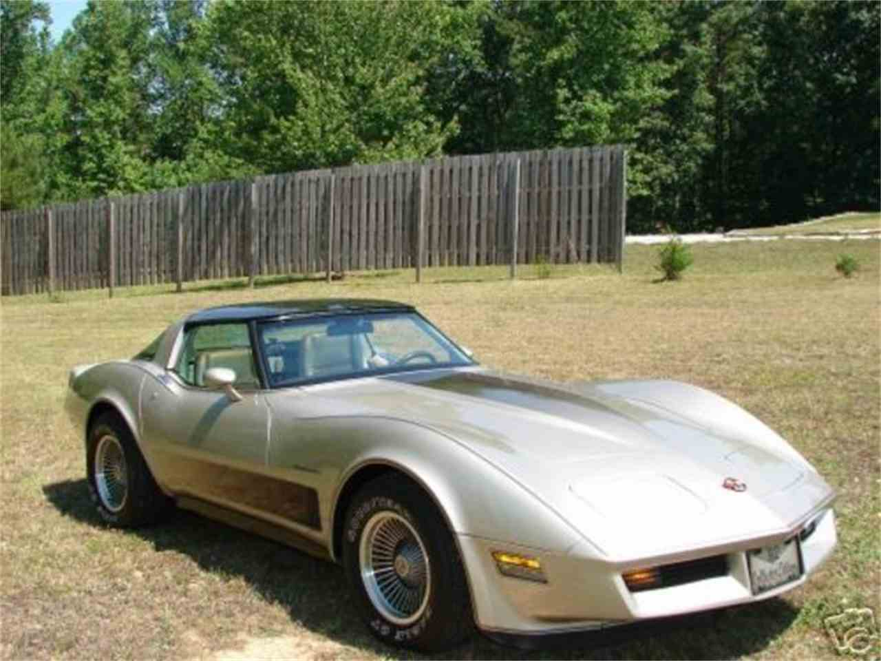 Large Picture of 1982 Corvette located in Liberty Hill Texas - $29,500.00 Offered by TX Collector Classic Cars - FKDL