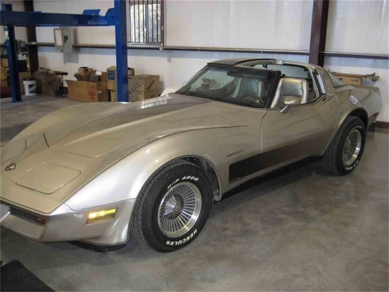 Large Picture of '82 Corvette located in Liberty Hill Texas - FKDL