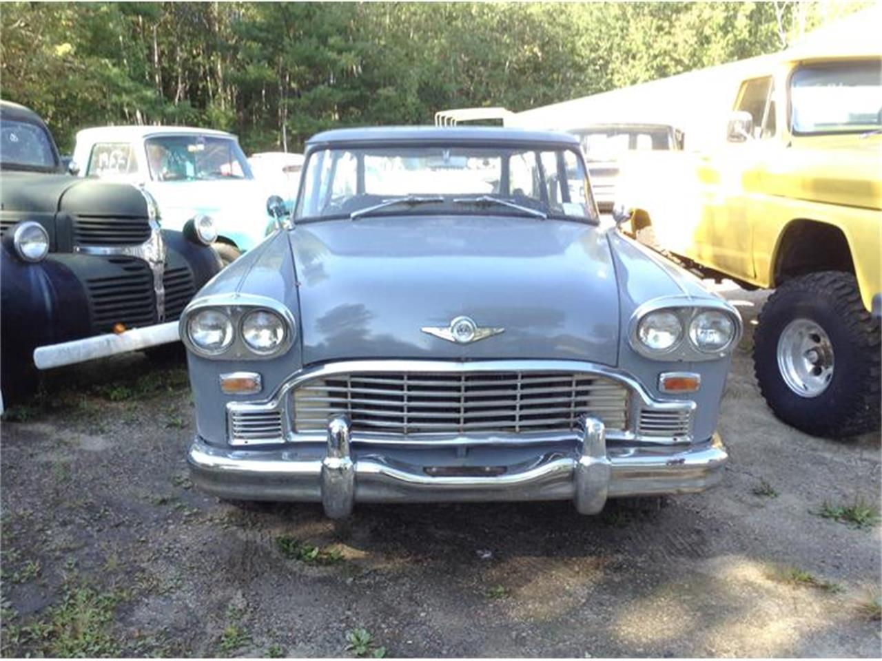 Large Picture of 1968 Checker Station Wagon - FL35