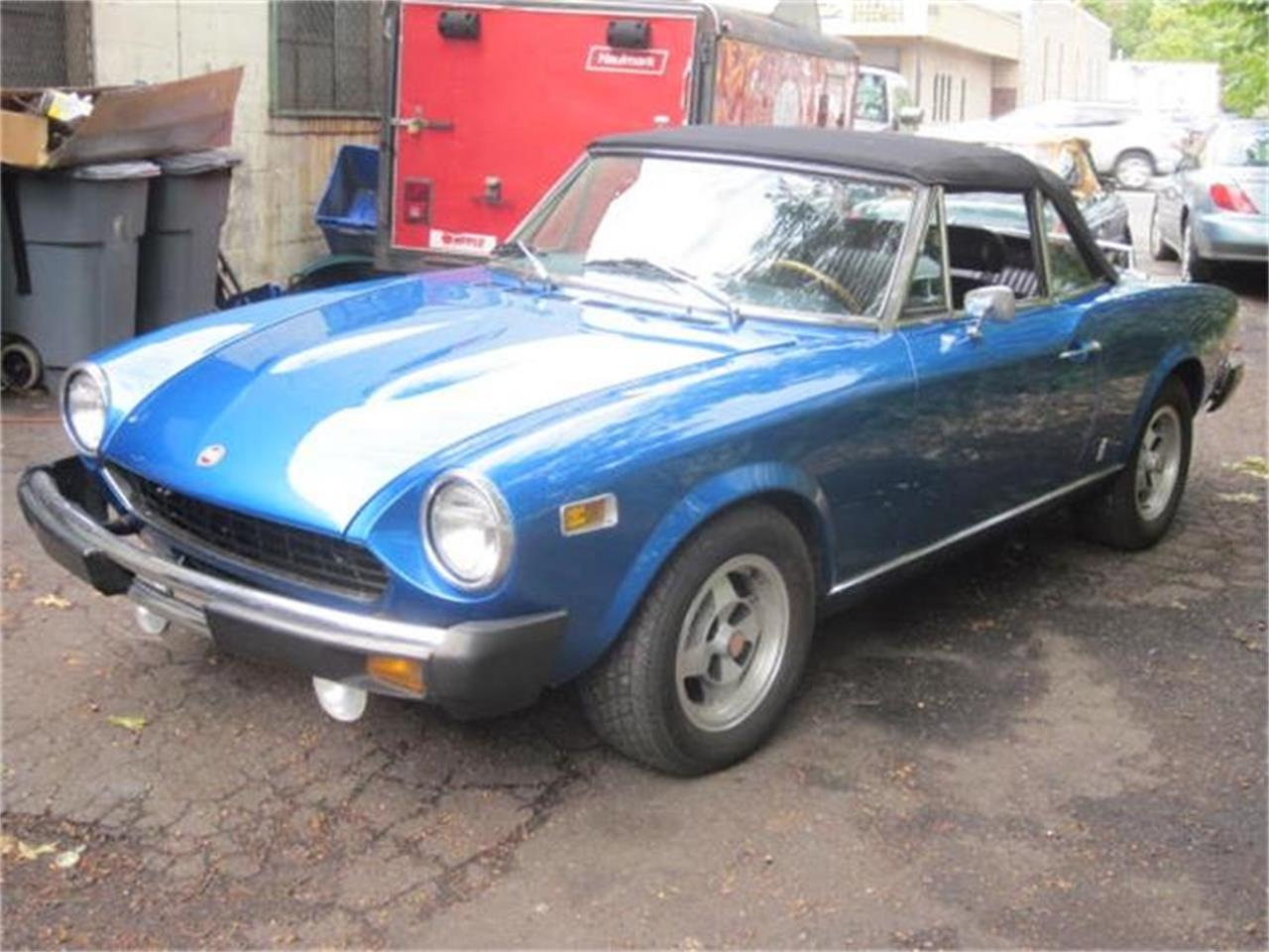 Large Picture of '78 Fiat Spider located in Connecticut - $8,900.00 - FM17