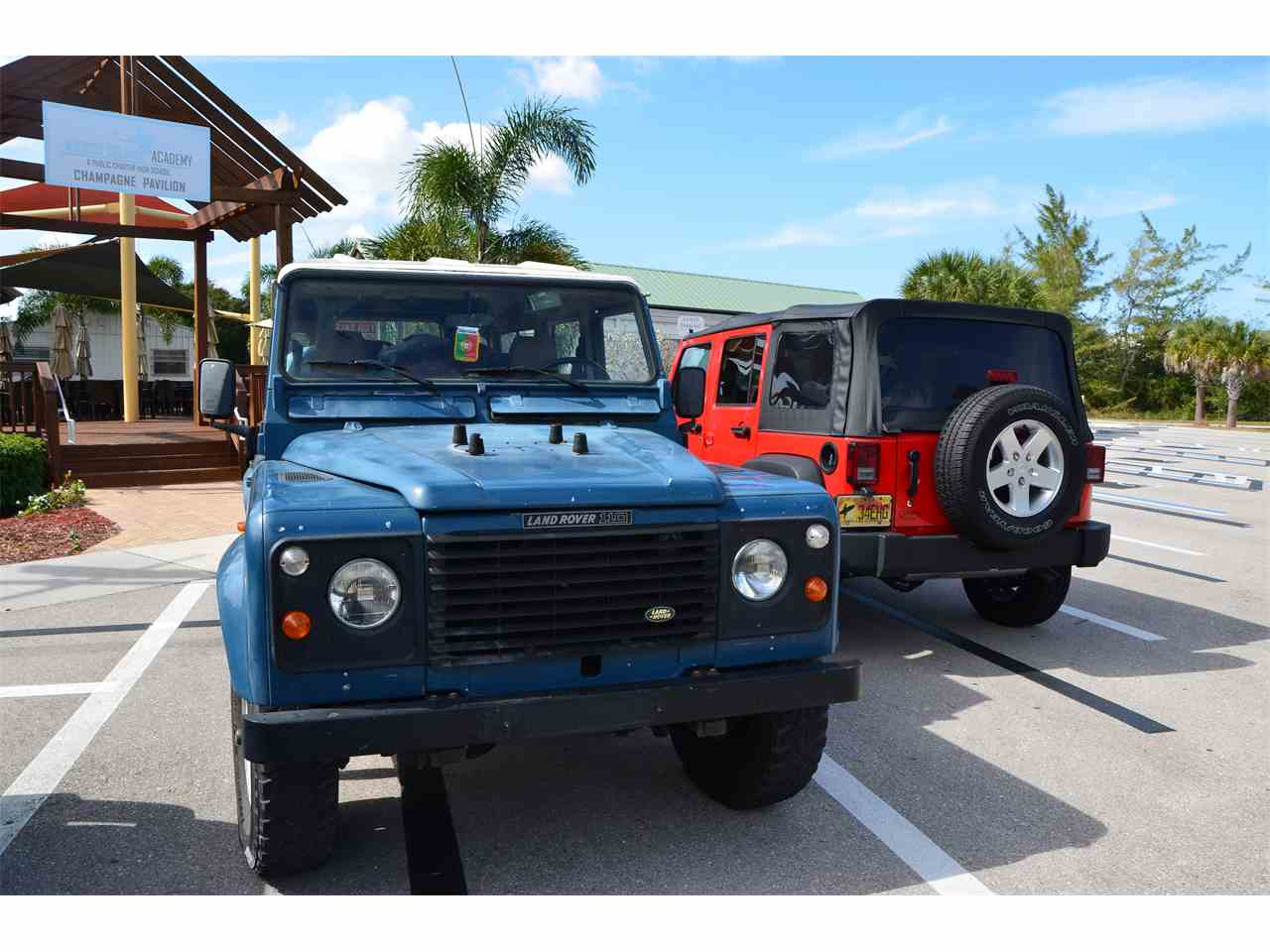 Large Picture of '87 Defender - FN1X
