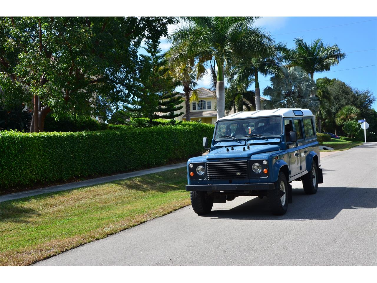 Large Picture of '87 Defender located in Florida Offered by a Private Seller - FN1X