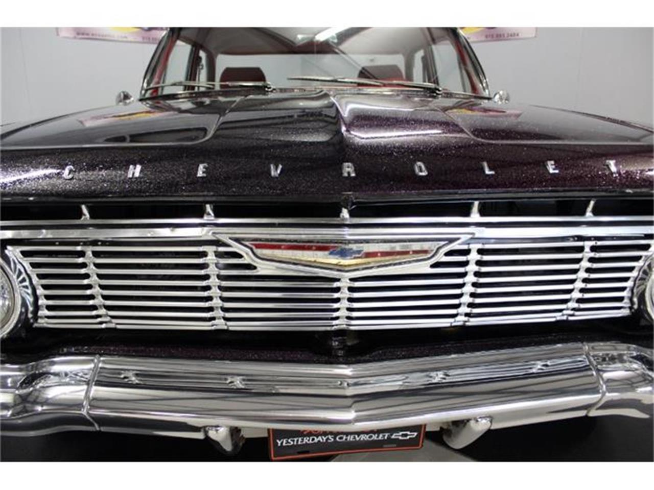 Large Picture of 1961 Chevrolet Impala - FPXW