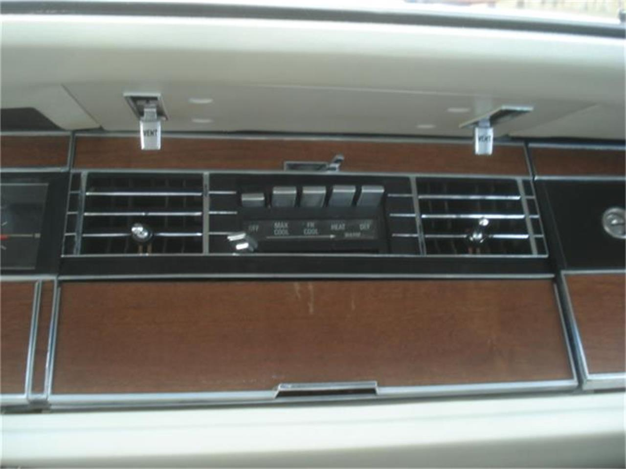 Large Picture of '67 Chrysler Imperial - $16,550.00 Offered by Gesswein Motors - FNNW