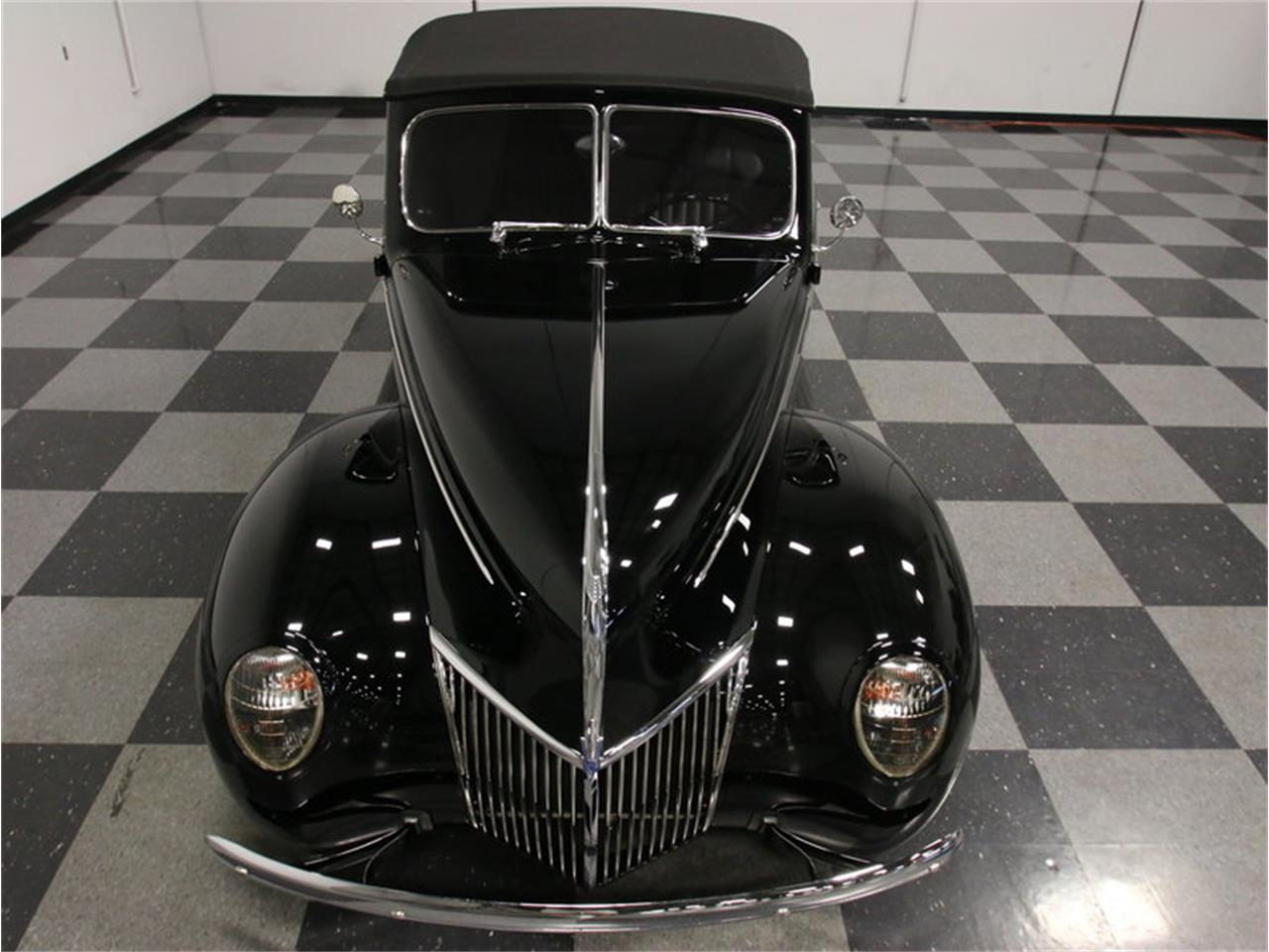 Large Picture of Classic 1939 Ford Deluxe located in Georgia Offered by Streetside Classics - Atlanta - FRR7