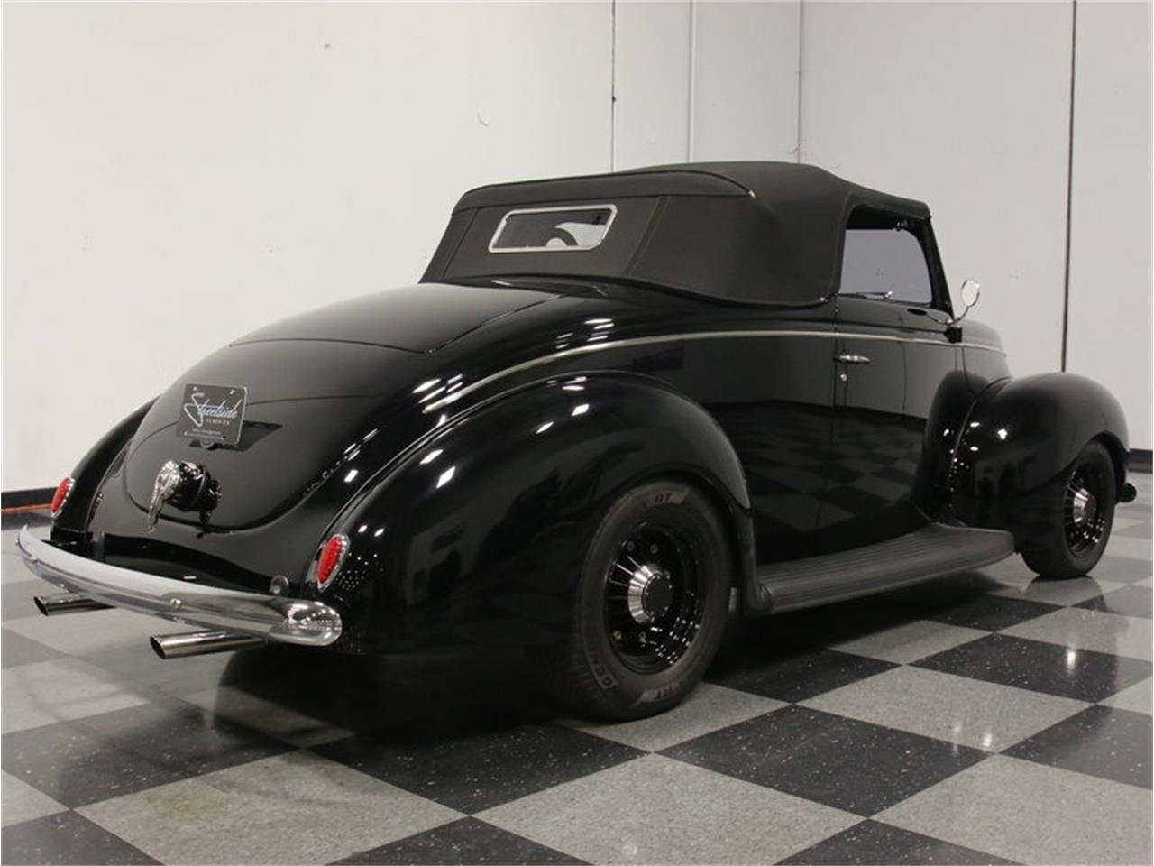 Large Picture of Classic 1939 Ford Deluxe Offered by Streetside Classics - Atlanta - FRR7