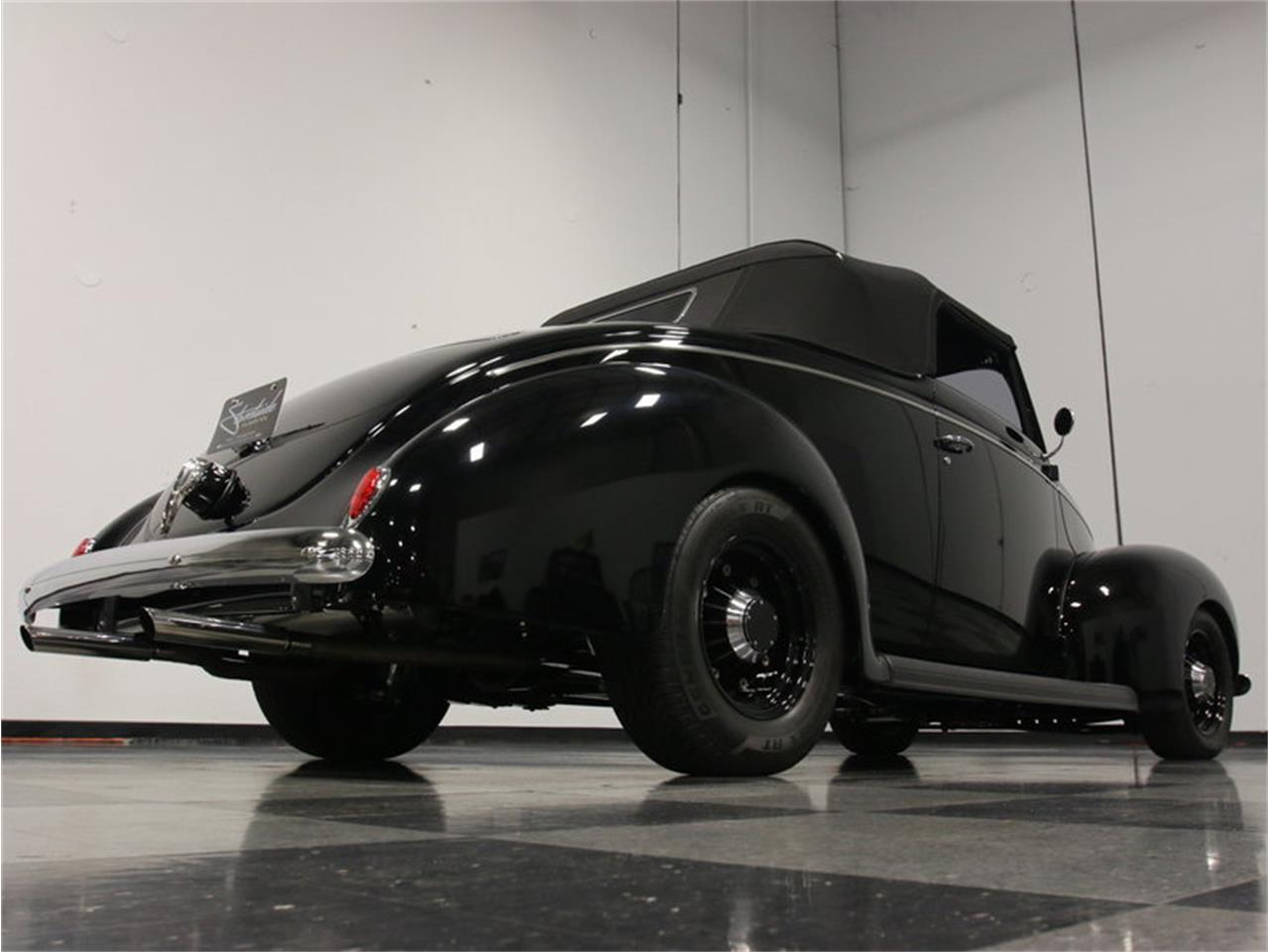 Large Picture of Classic 1939 Deluxe located in Lithia Springs Georgia Offered by Streetside Classics - Atlanta - FRR7