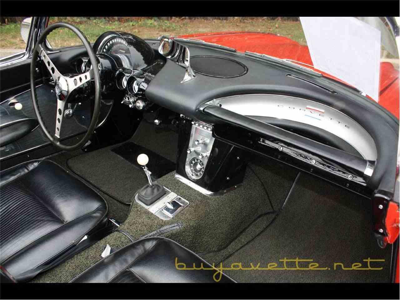 Large Picture of '61 Chevrolet Corvette - FSDF