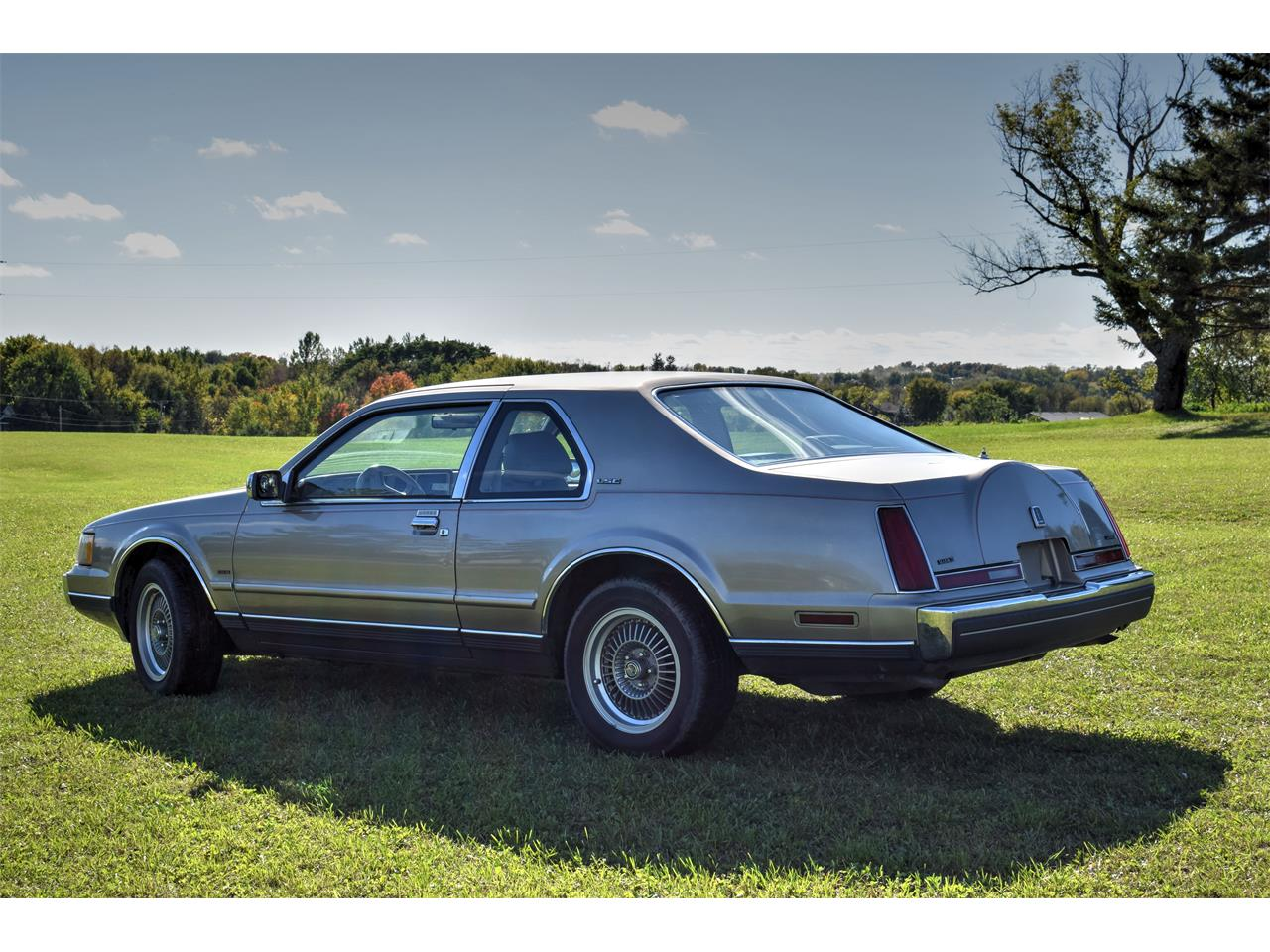 Large Picture of '88 Lincoln Mark VII located in Watertown Minnesota - $6,500.00 Offered by Hooked On Classics - FSQI