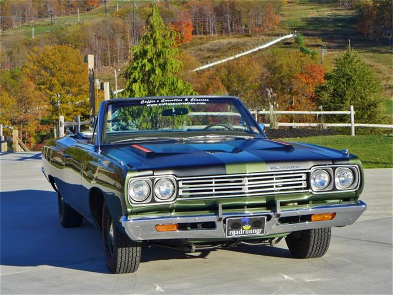 Large Picture of Classic 1969 Road Runner Auction Vehicle Offered by Coffee's Sports and Classics - FT12