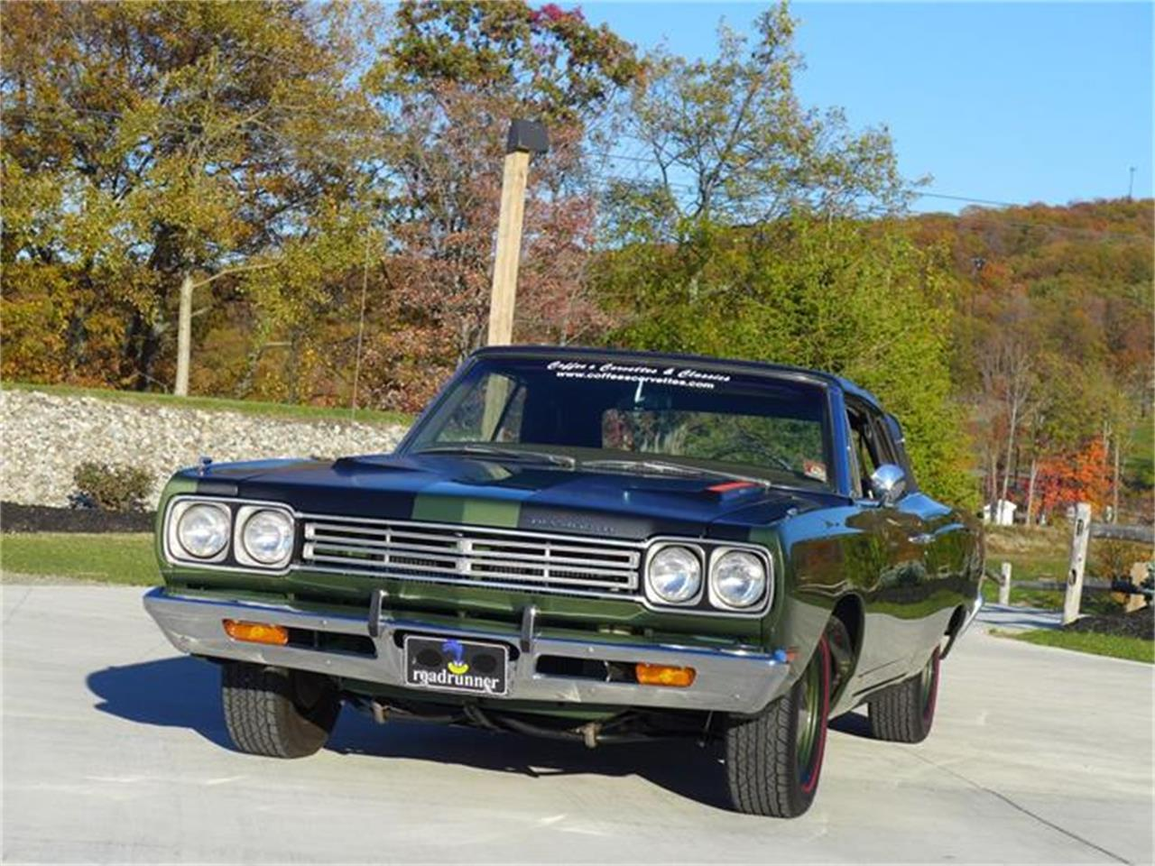 Large Picture of Classic '69 Road Runner Auction Vehicle Offered by Coffee's Sports and Classics - FT12