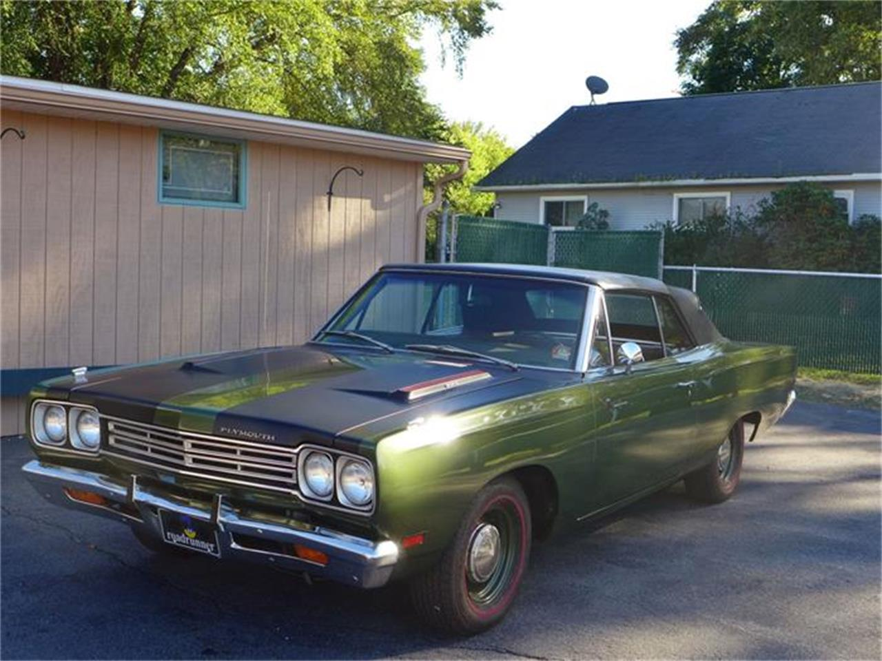 Large Picture of Classic 1969 Plymouth Road Runner - FT12