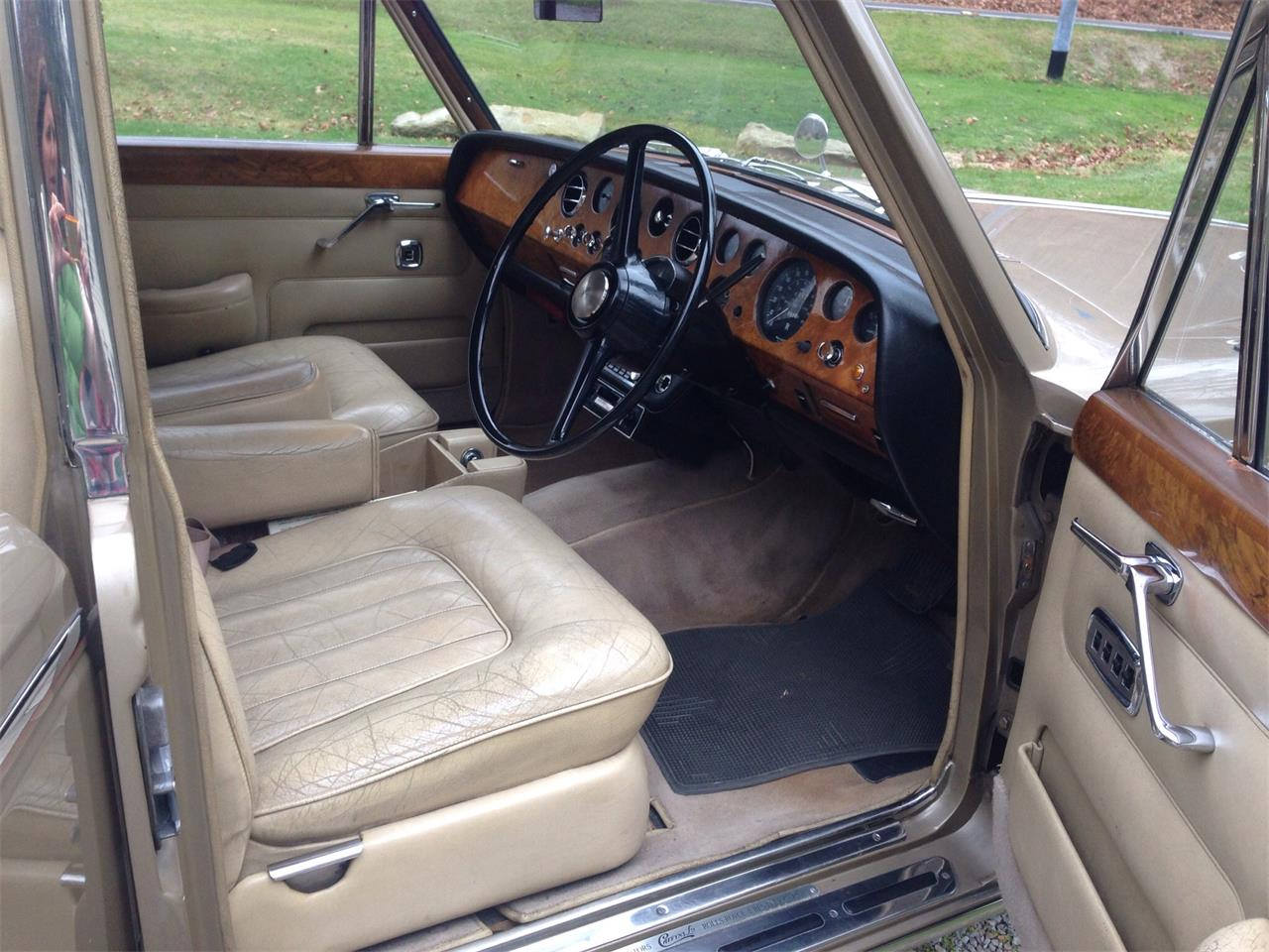 Large Picture of Classic '67 Rolls-Royce Silver Shadow - FU5Q