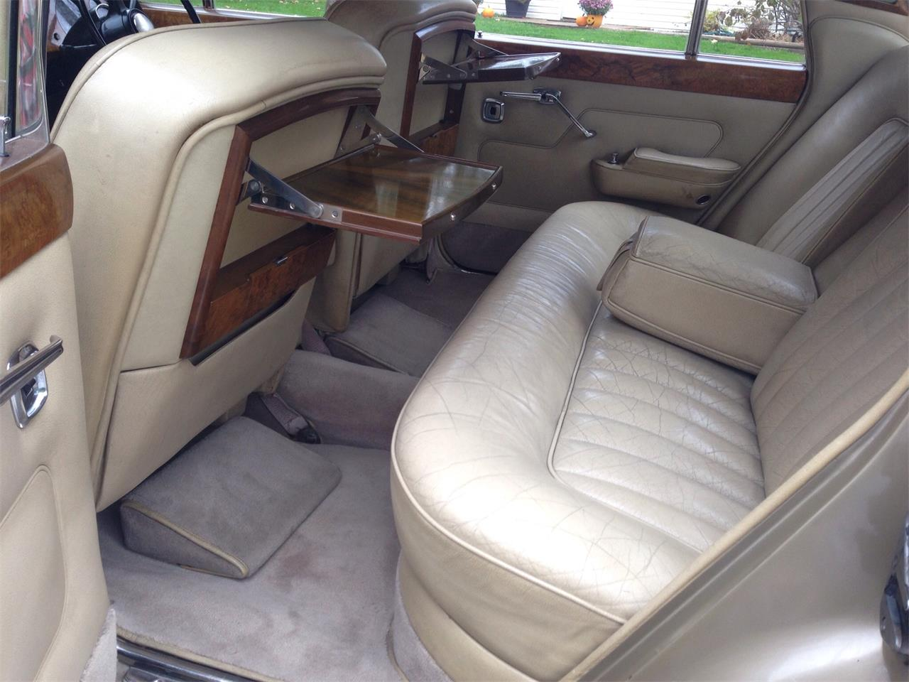Large Picture of 1967 Rolls-Royce Silver Shadow located in Granville Ohio - FU5Q