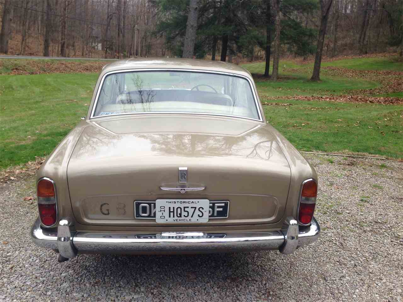 Large Picture of '67 Silver Shadow - FU5Q