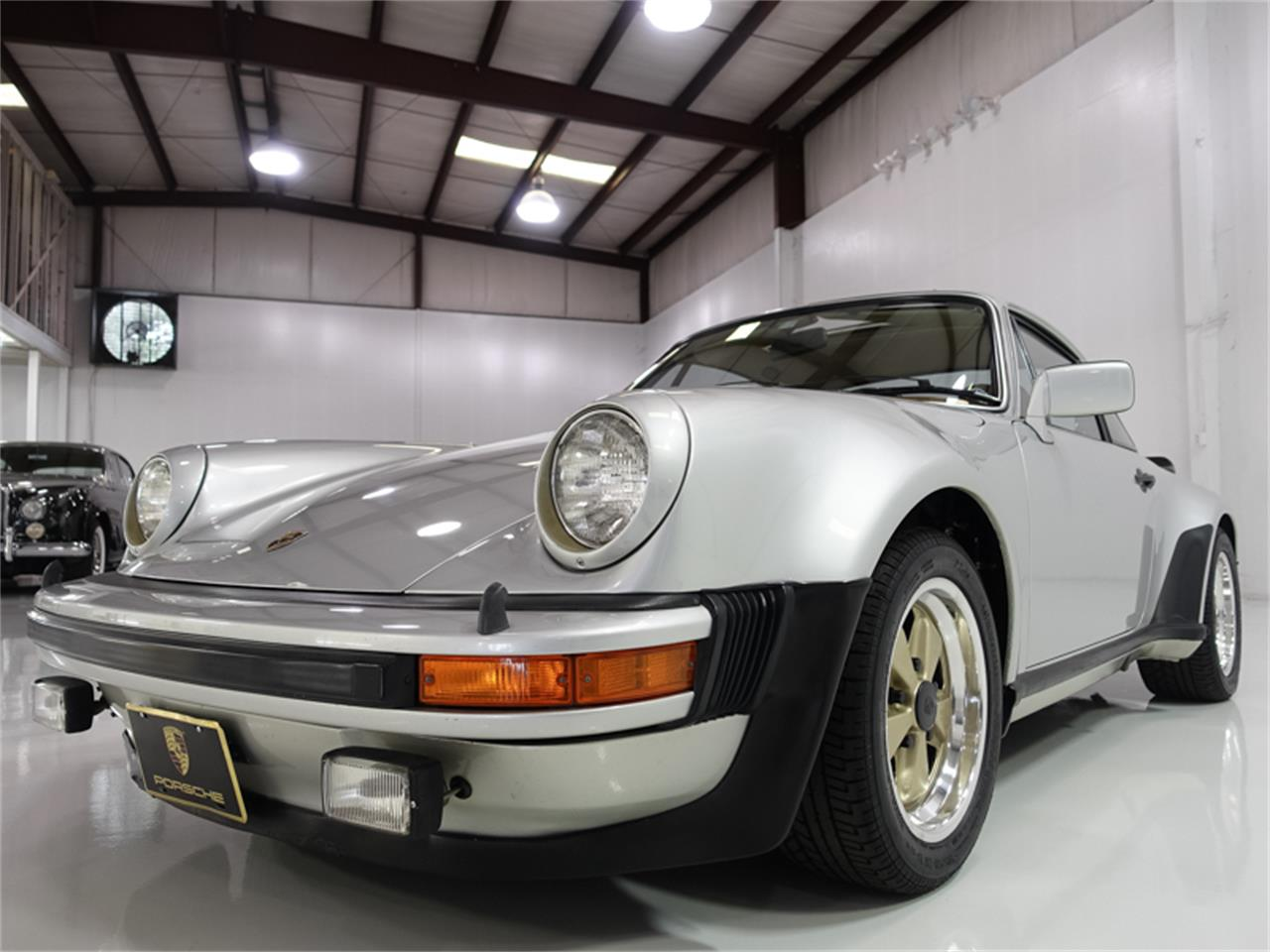 Large Picture of '76 Porsche 930 Turbo located in Missouri Offered by Daniel Schmitt & Co. - FXKC