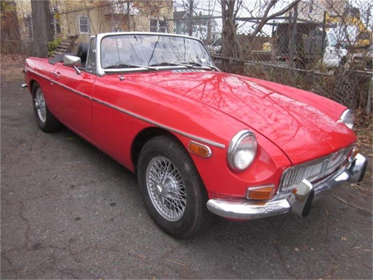 Large Picture of '72 MGB - FY5L