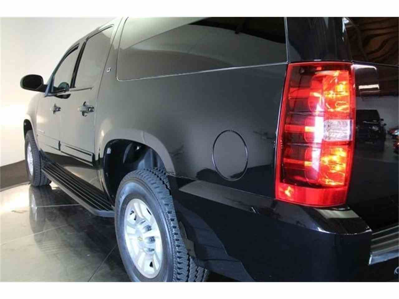 Large Picture of '11 Chevrolet Suburban - $69,900.00 - FYNW
