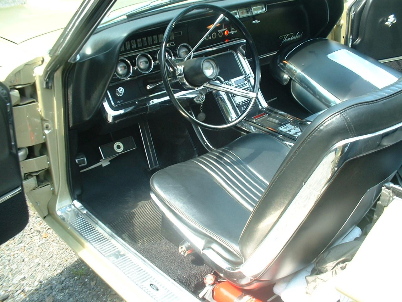 Large Picture of '66 Ford Thunderbird located in WINDSOR Quebec - $59,500.00 Offered by a Private Seller - FZQS