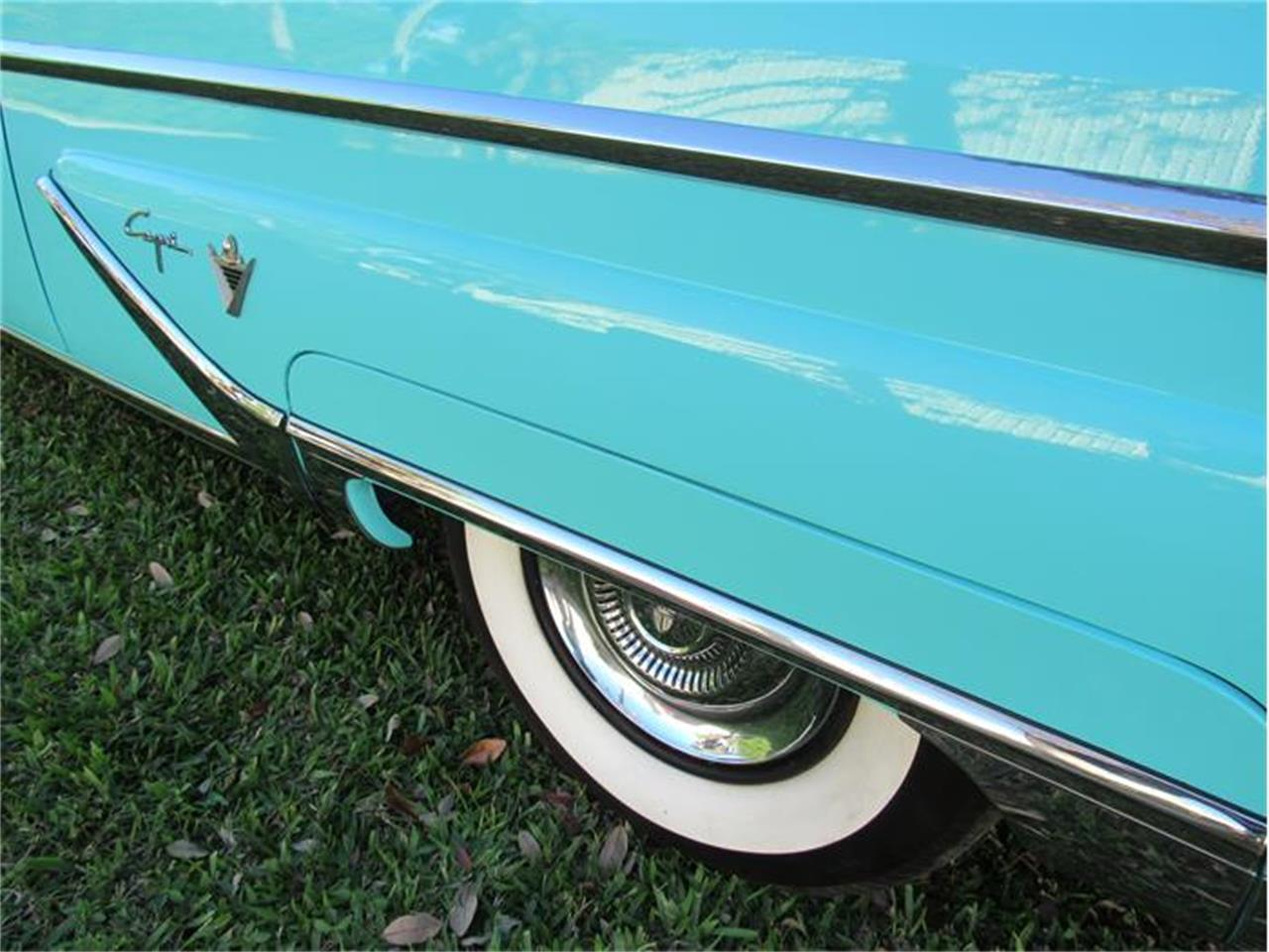 Large Picture of Classic '55 Lincoln Capri located in Sarasota Florida - G0EI