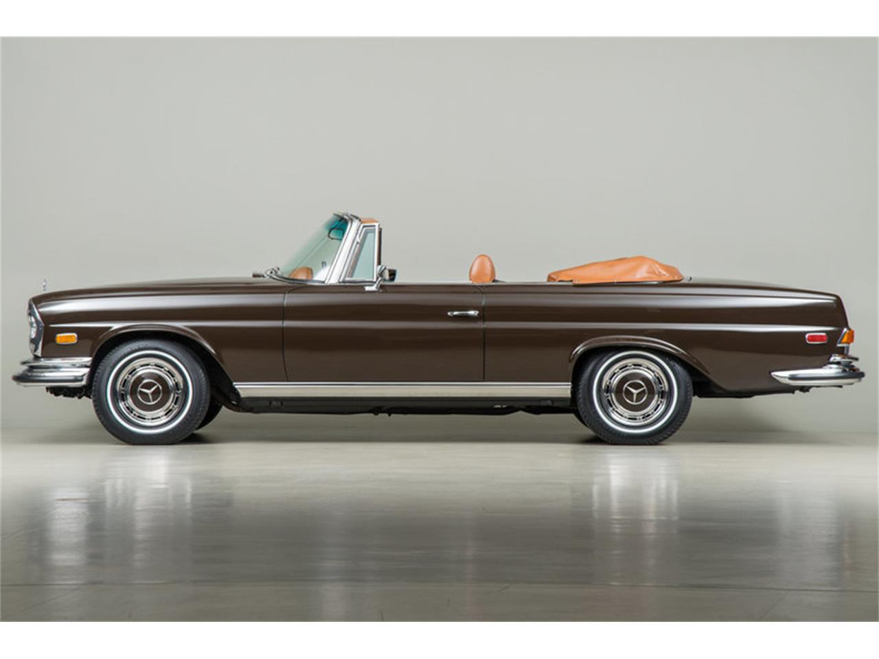 Large Picture of Classic '71 Mercedes-Benz 280 SE 3.5 Cabriolet located in California Offered by Canepa - G0JQ