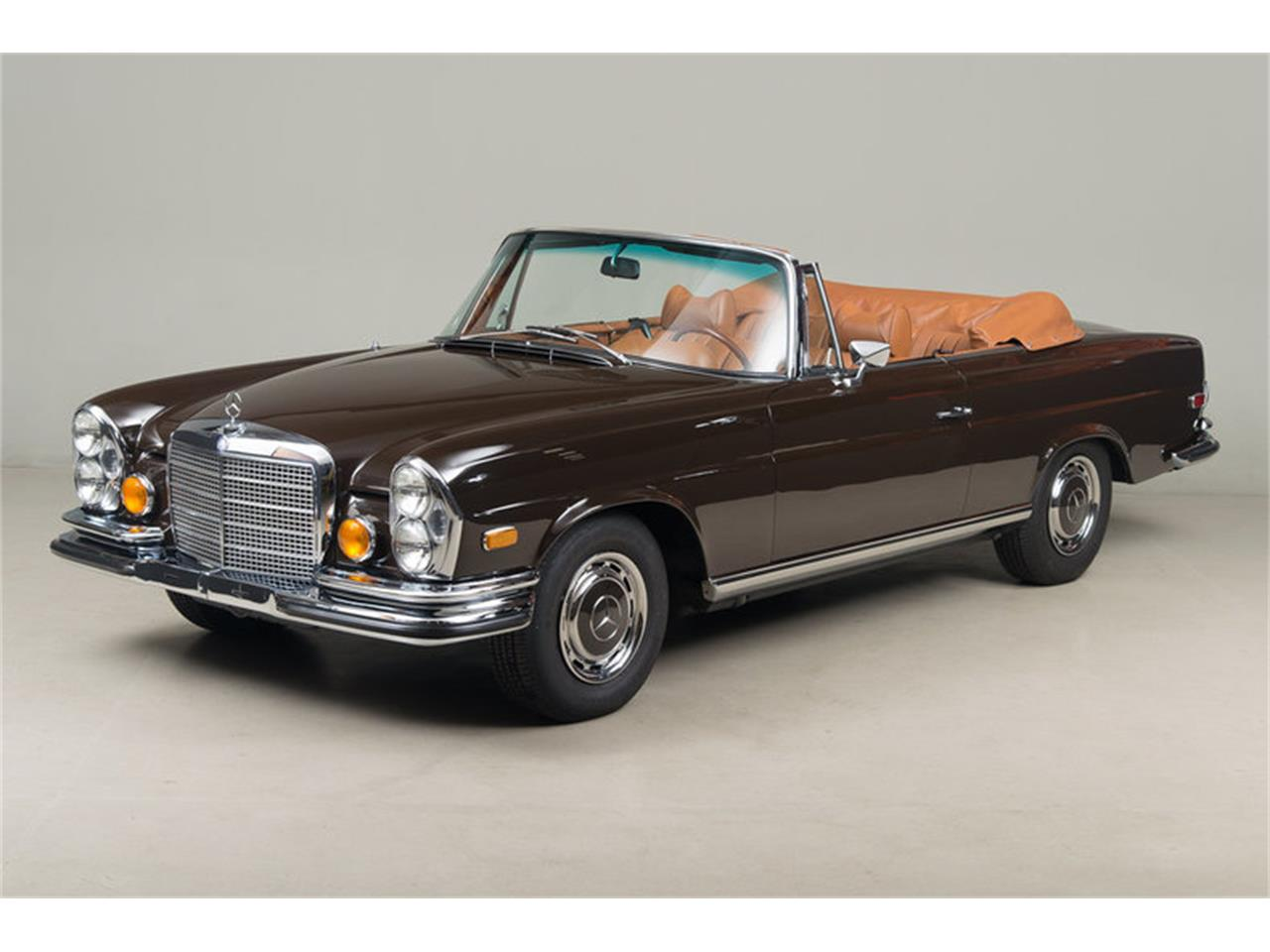 Large Picture of Classic '71 Mercedes-Benz 280 SE 3.5 Cabriolet located in Scotts Valley California Auction Vehicle Offered by Canepa - G0JQ