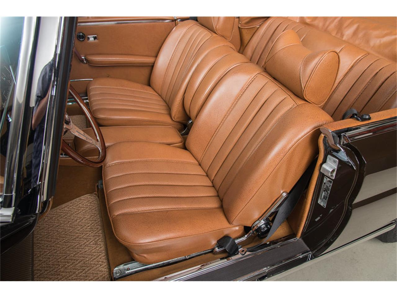 Large Picture of '71 Mercedes-Benz 280 SE 3.5 Cabriolet located in Scotts Valley California Auction Vehicle - G0JQ