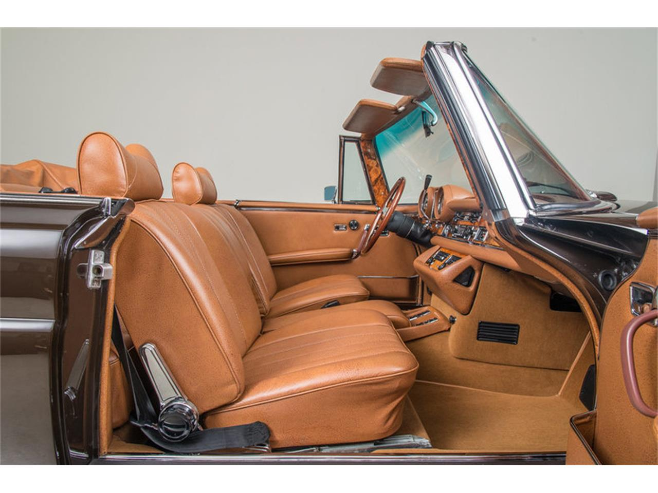 Large Picture of '71 280 SE 3.5 Cabriolet Auction Vehicle Offered by Canepa - G0JQ