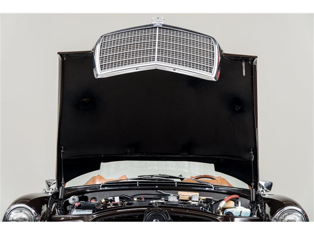 Large Picture of Classic 1971 280 SE 3.5 Cabriolet located in California - G0JQ