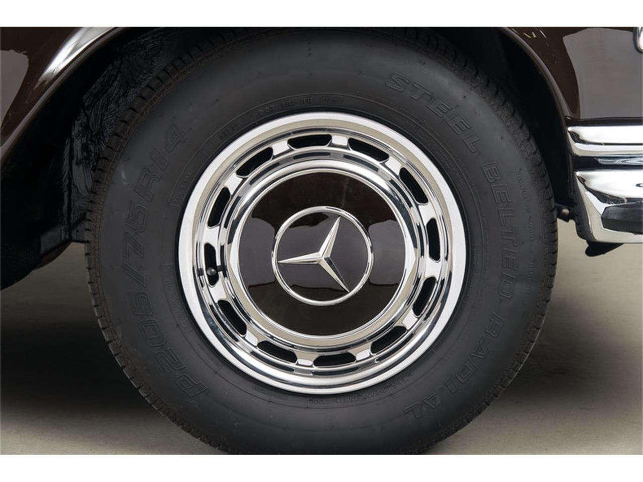 Large Picture of Classic '71 Mercedes-Benz 280 SE 3.5 Cabriolet located in Scotts Valley California Auction Vehicle - G0JQ