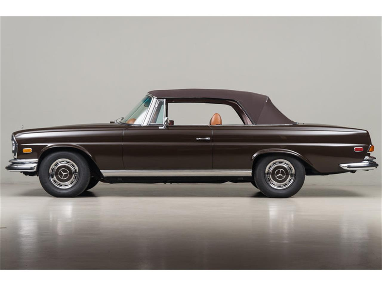 Large Picture of 1971 Mercedes-Benz 280 SE 3.5 Cabriolet located in Scotts Valley California Offered by Canepa - G0JQ