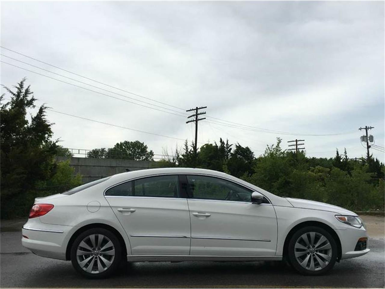 Large Picture of 2010 Volkswagen CC - G0M5