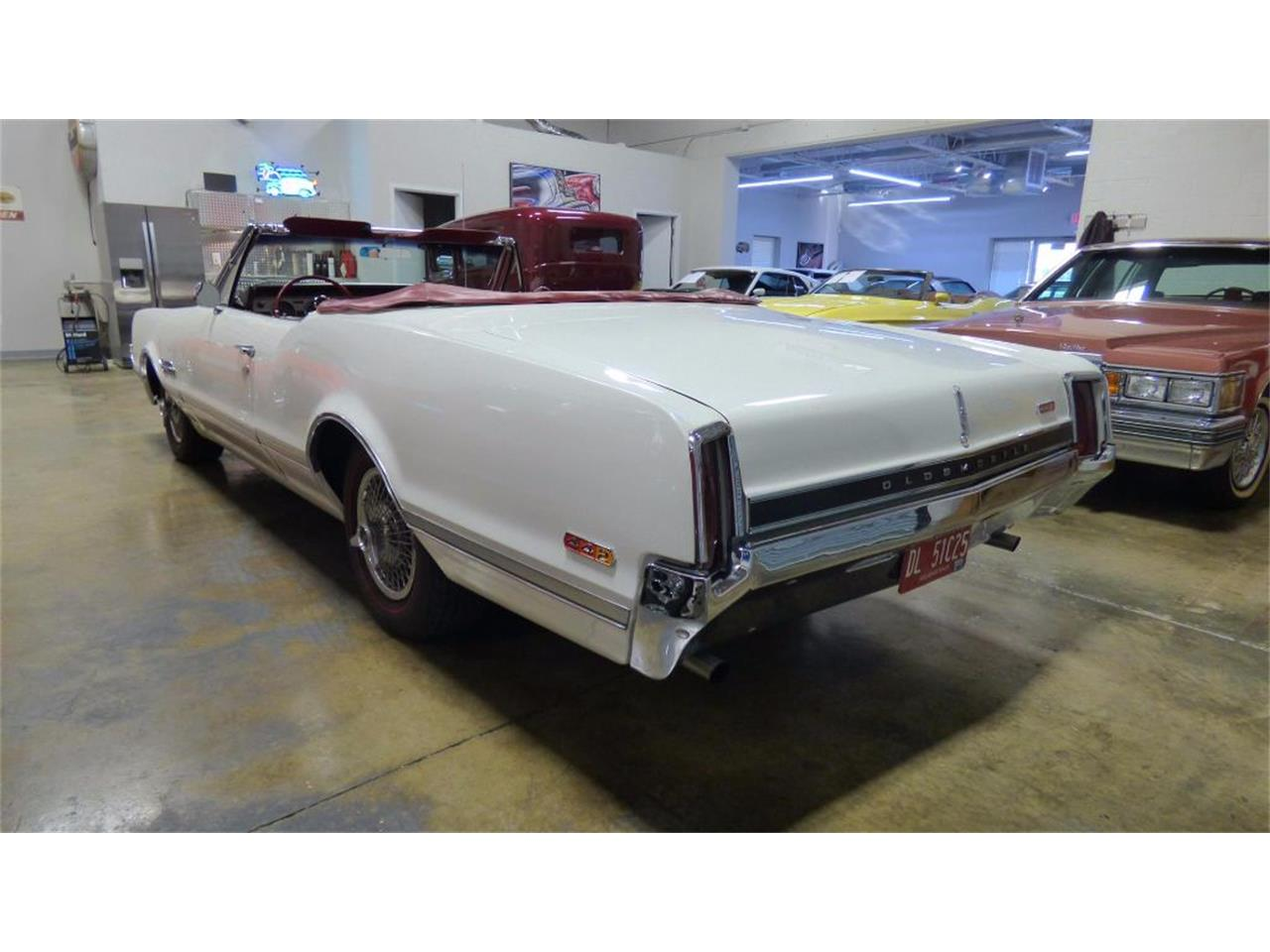 Large Picture of Classic '66 Oldsmobile 442 - FVKD