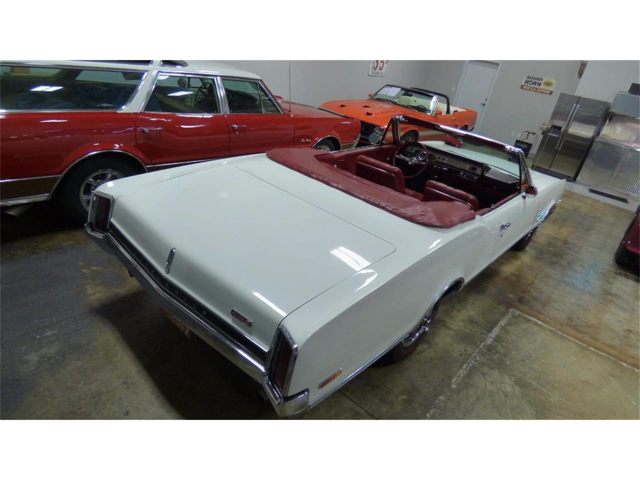 Large Picture of 1966 Oldsmobile 442 - FVKD