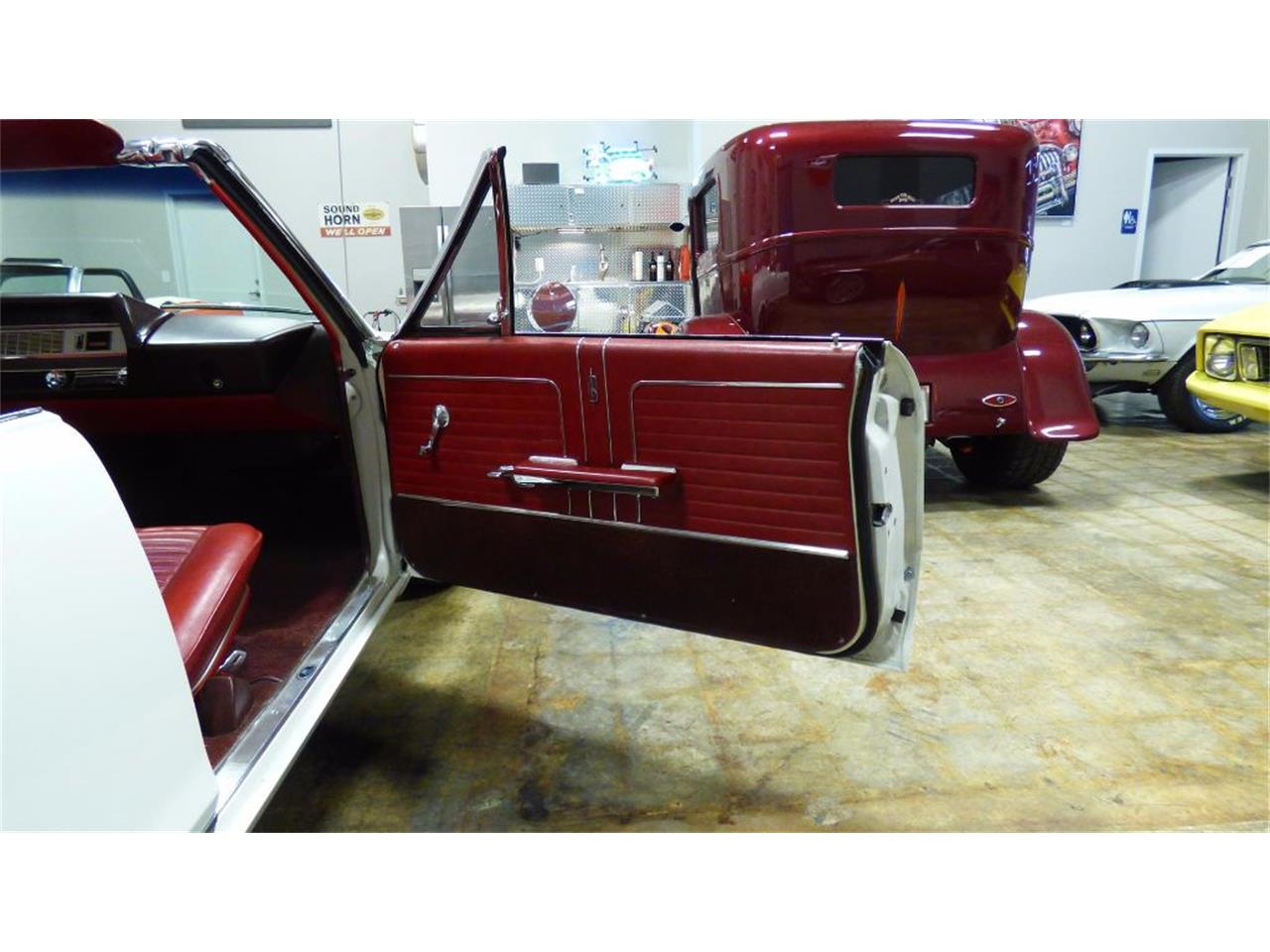Large Picture of 1966 442 Auction Vehicle Offered by Cruisers Specialty Autos - FVKD