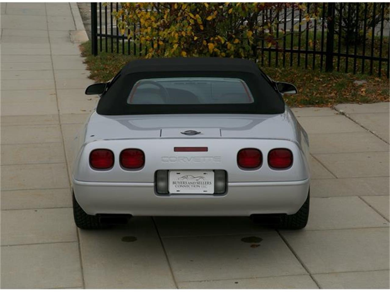 Large Picture of '96 Chevrolet Corvette - $25,900.00 Offered by Buyers and Sellers Connection LLC - G17I