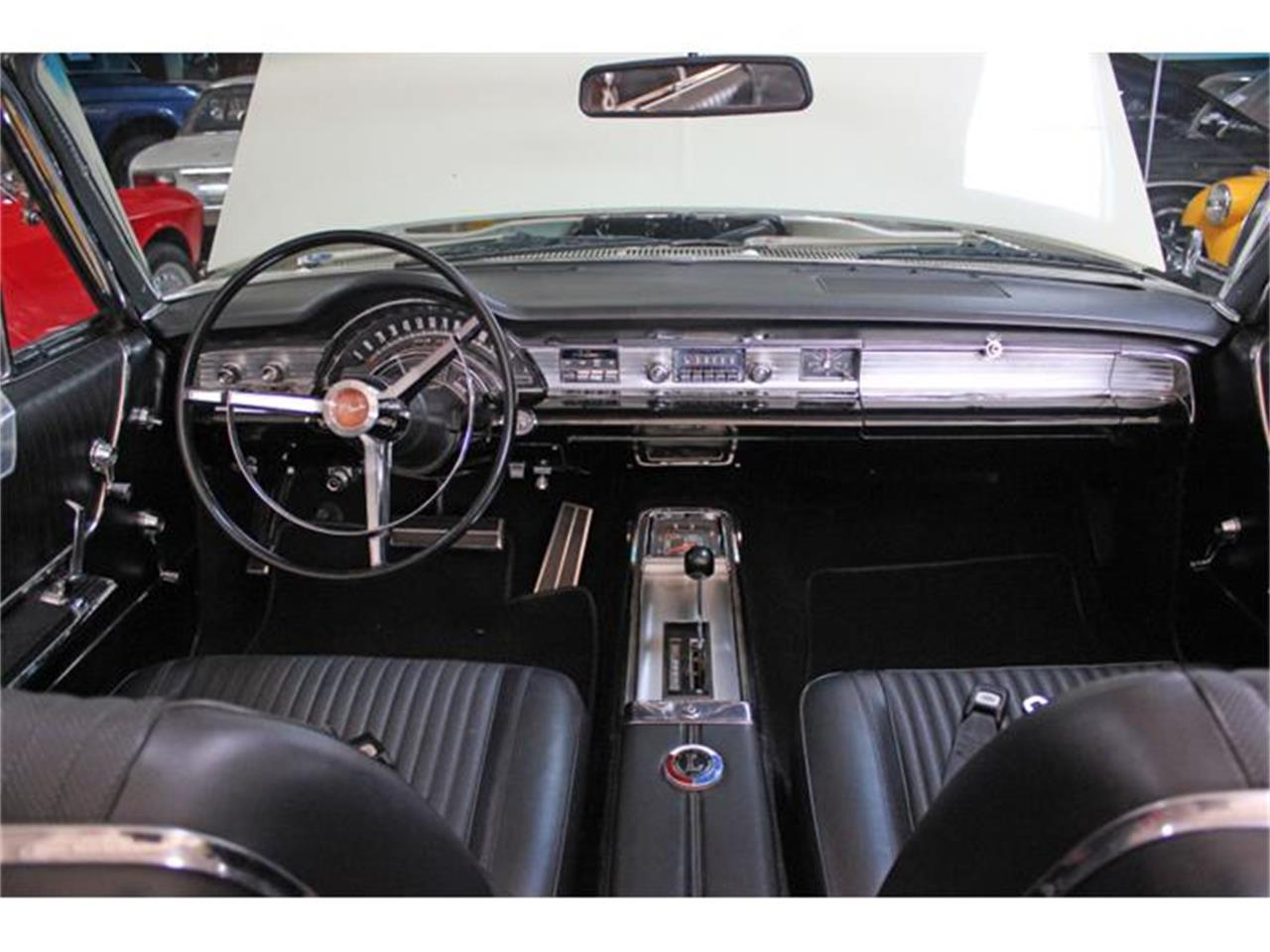 Large Picture of Classic '65 Chrysler 300L - G3RT