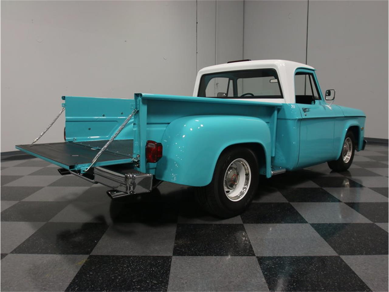 Large Picture of 1971 Dodge D100 - $67,995.00 - G46N