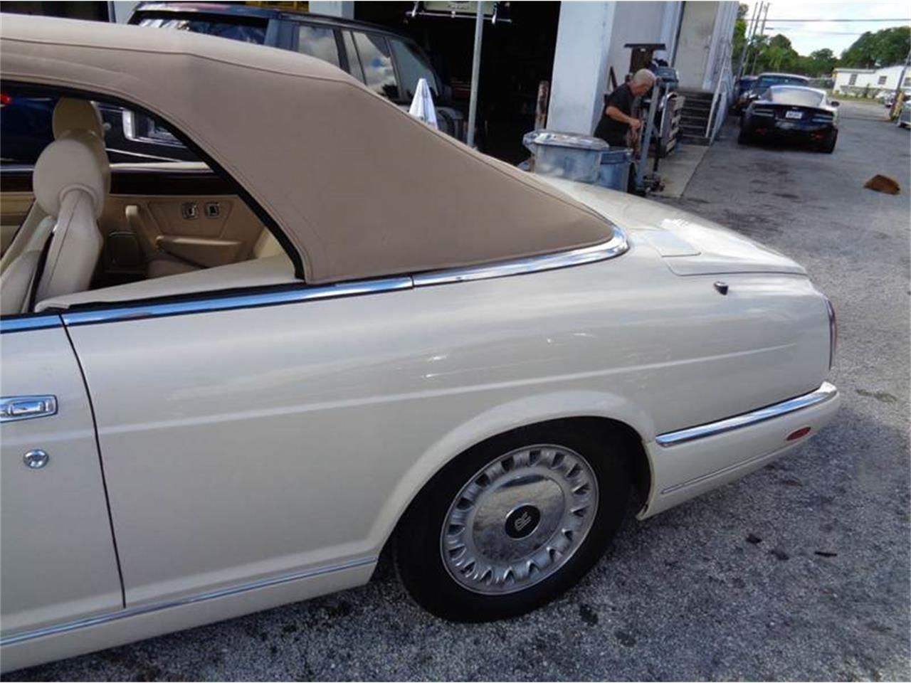 Large Picture of 2001 Rolls-Royce Corniche located in Fort Lauderdale Florida - $99,950.00 - G4ZZ