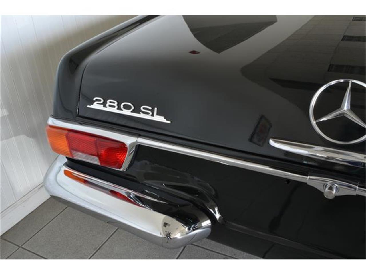 Large Picture of 1971 280SL located in Southampton New York - G5RQ