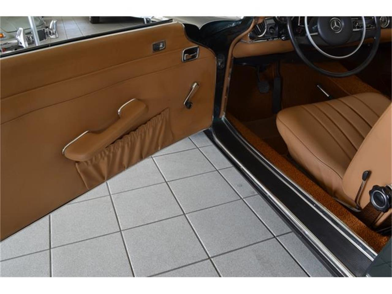 Large Picture of '71 280SL located in Southampton New York - $148,500.00 - G5RQ