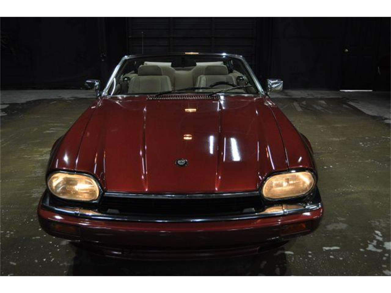 Large Picture of 1994 Jaguar XJS located in Nashville Tennessee - G84N