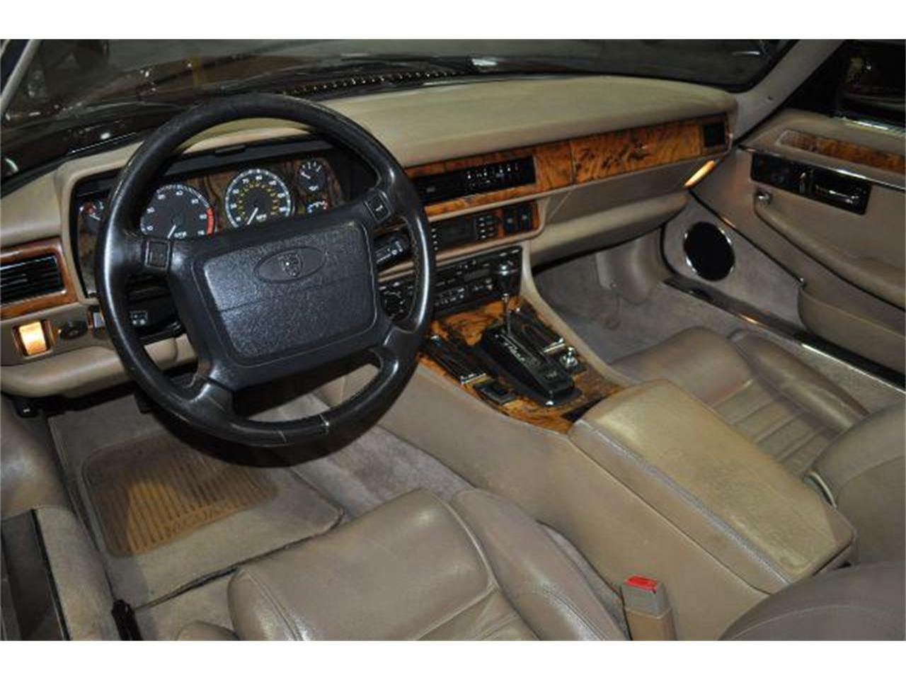 Large Picture of 1994 Jaguar XJS located in Nashville Tennessee Offered by Rockstar Motorcars - G84N