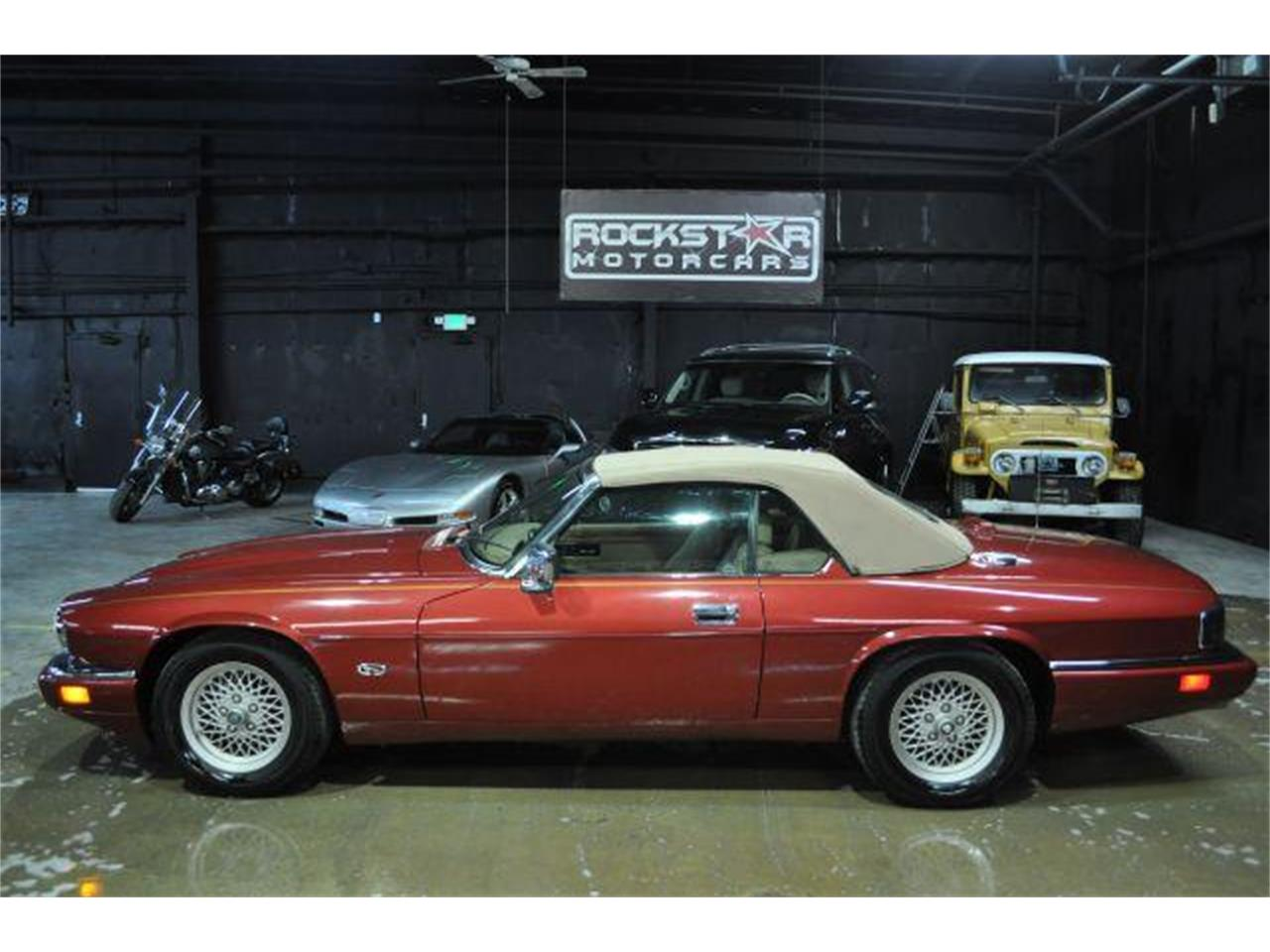 Large Picture of '94 Jaguar XJS located in Tennessee - G84N