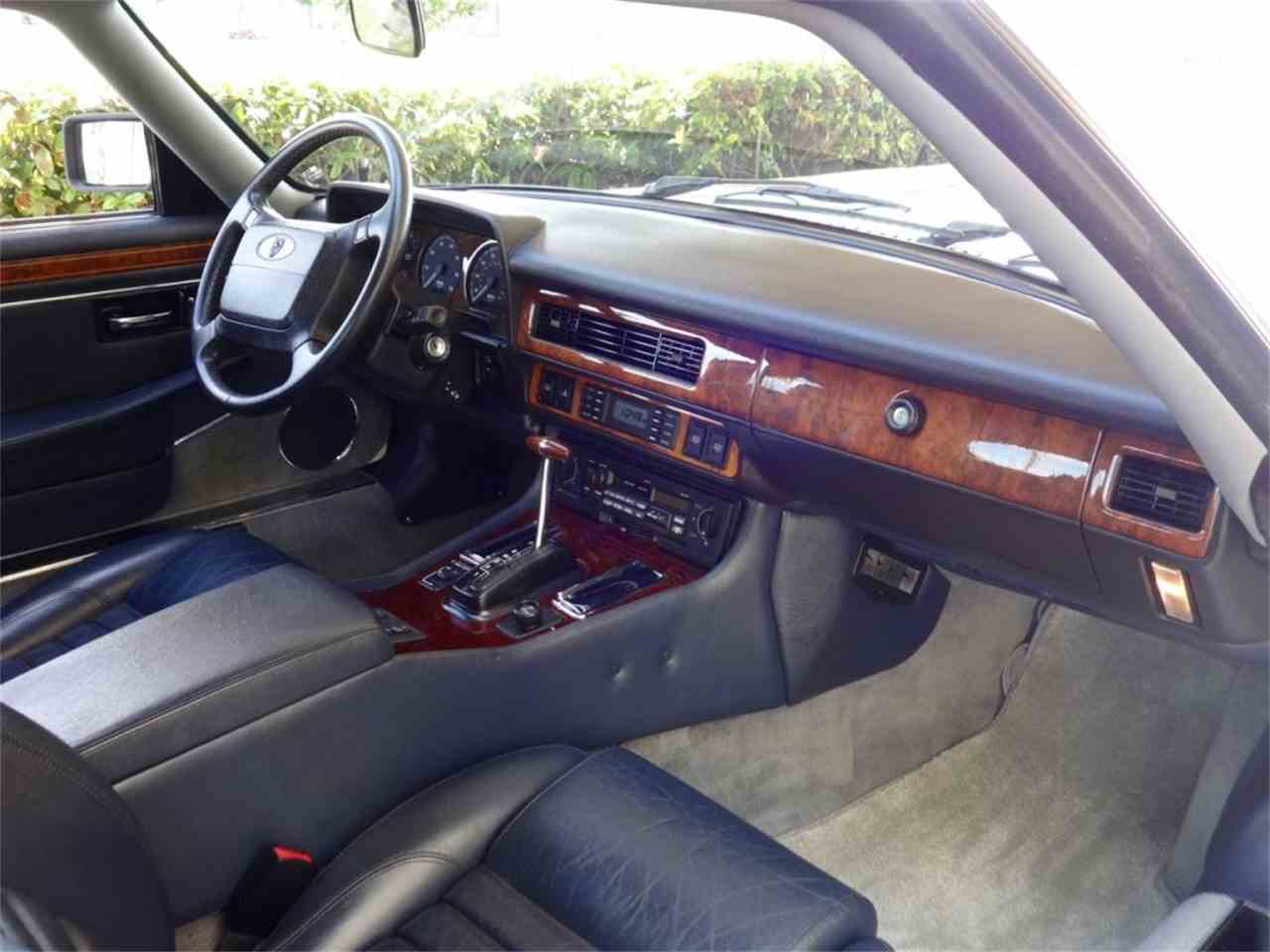 Large Picture of '92 XJS located in Delray Beach Florida Auction Vehicle - G8Z0