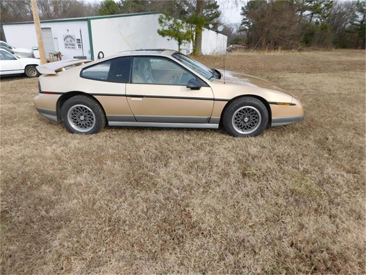Large Picture of 1987 Pontiac Fiero located in Sallisaw Oklahoma - $8,000.00 - G8Z8