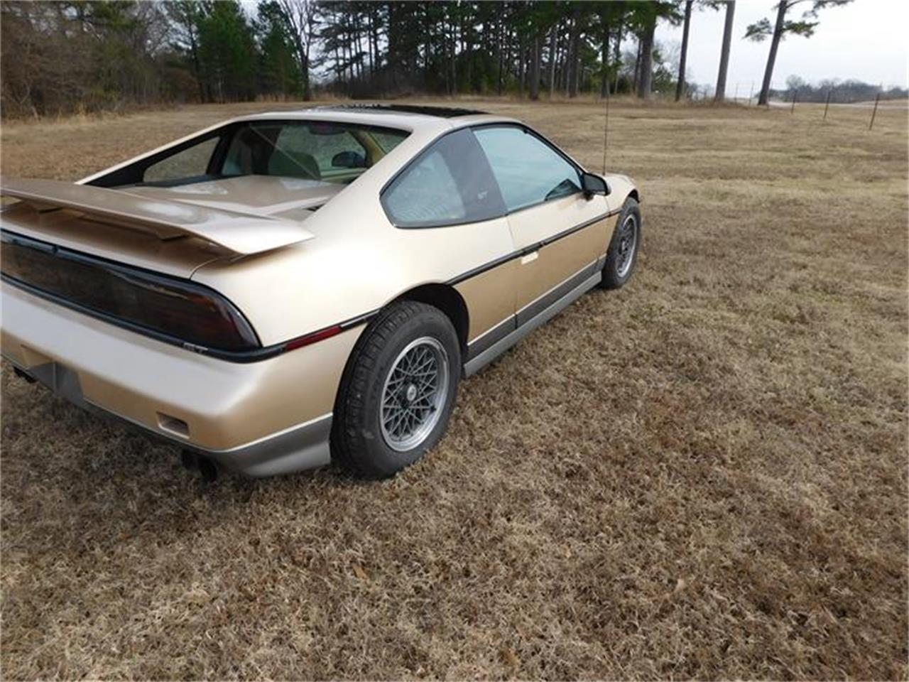 Large Picture of 1987 Pontiac Fiero located in Oklahoma Offered by Classic Car Pal - G8Z8